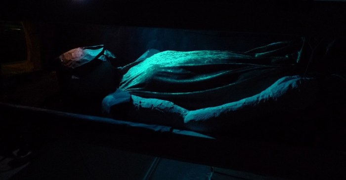 Sarcophagus (interior)