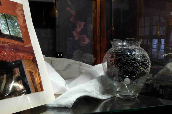 Thingo (etched glass vase and plastic bag)