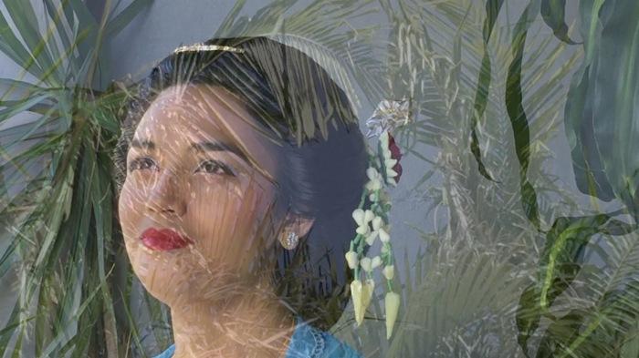 Kartika Suharto-Martin, Siti Suharti 2018 video still, video installation.jpg